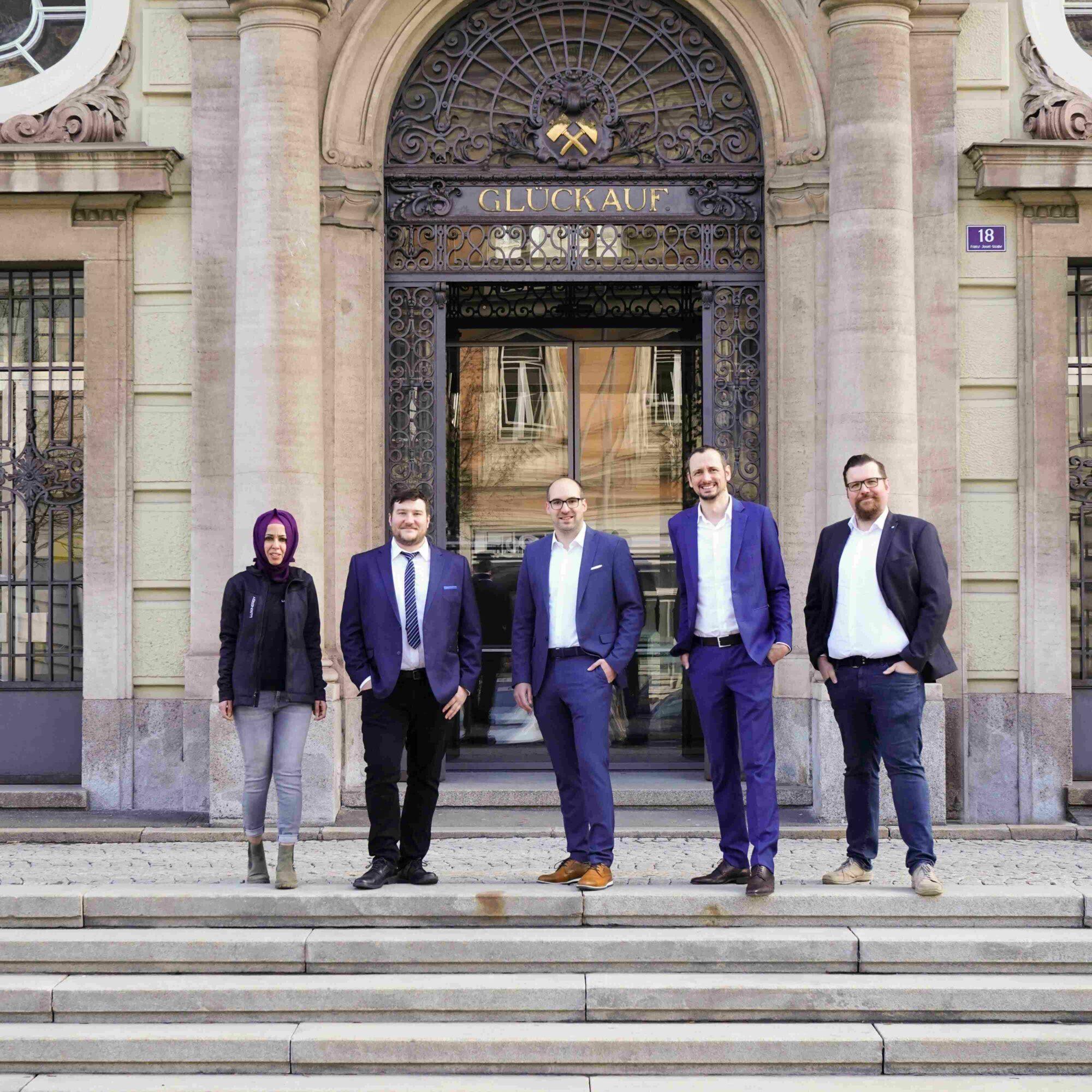Luxinergy Team in front of Montanuniversity Leoben