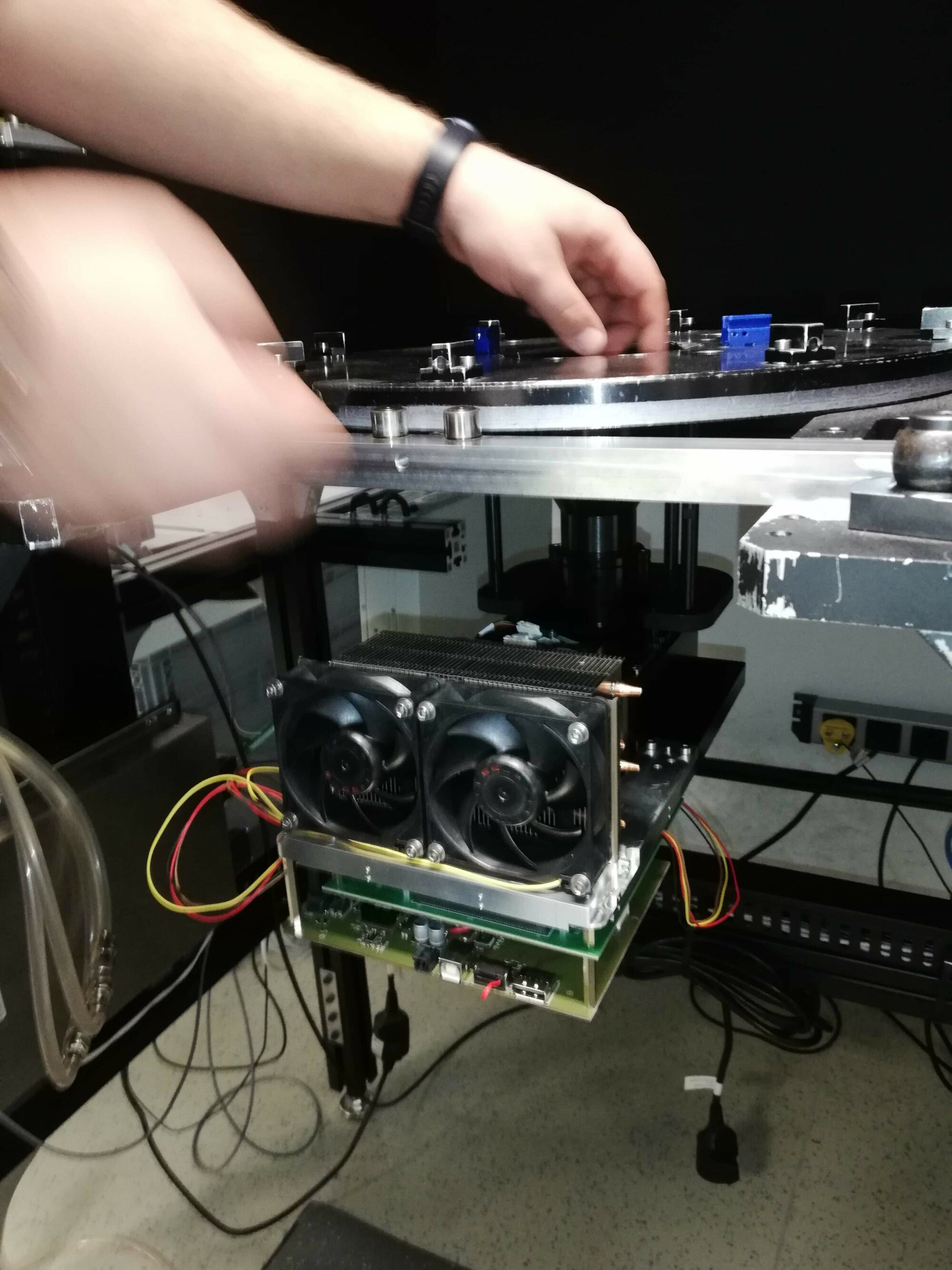 First run: the prototype of In-Vision´s new 4k DLP UV Light Projector gets tested on the test rig - like every product that leaves the company.